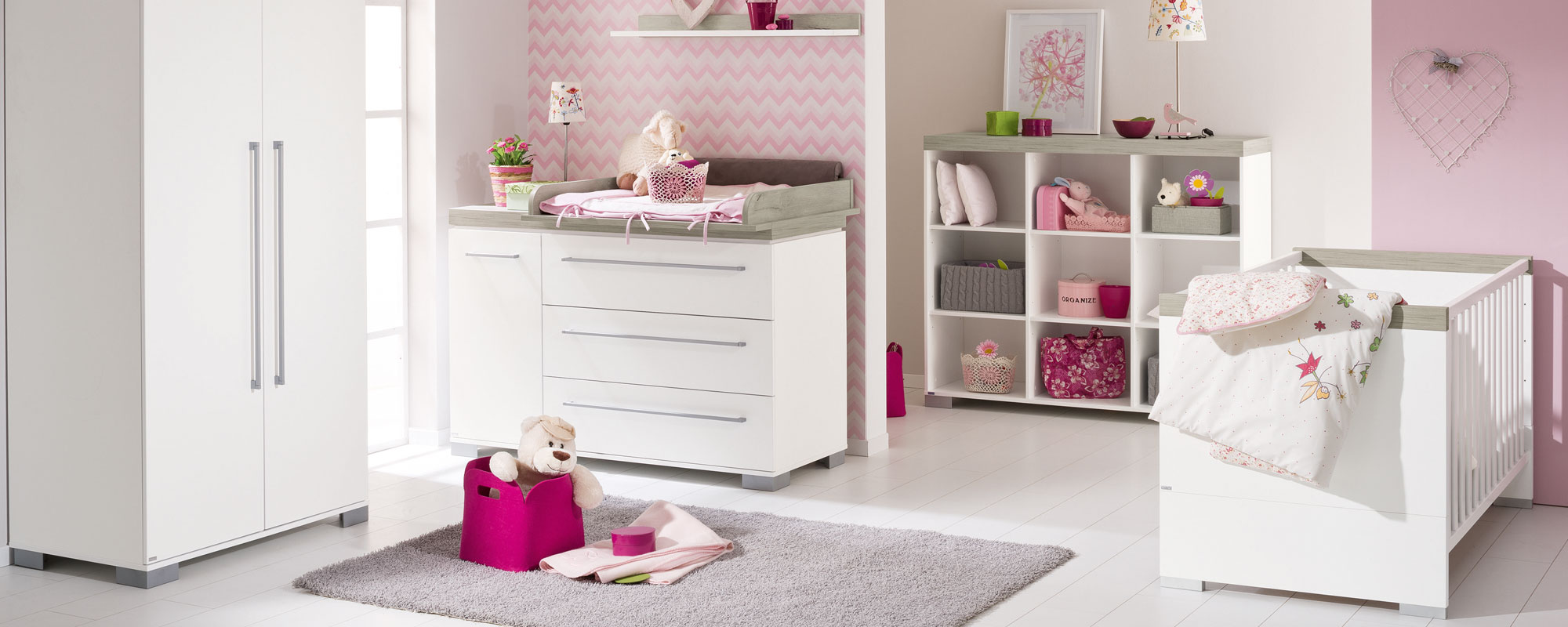 bilder babyzimmer bilder babyzimmer gestalten babyzimmer. Black Bedroom Furniture Sets. Home Design Ideas